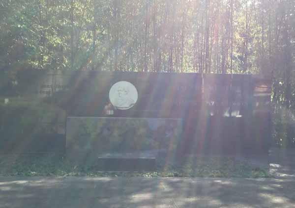 エジソン記念碑